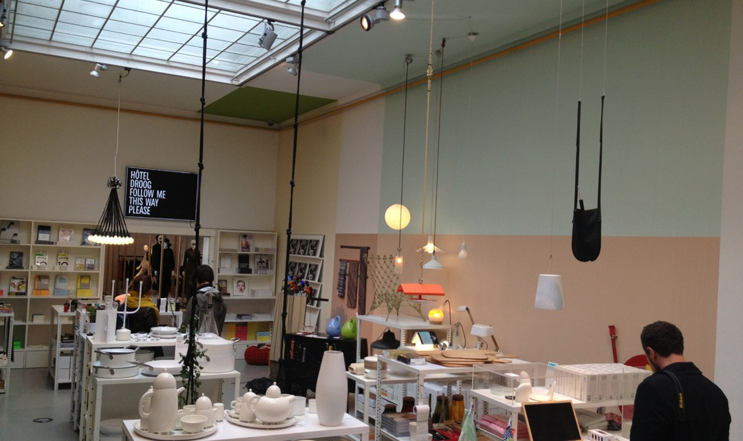 Overview of the shop towards the back