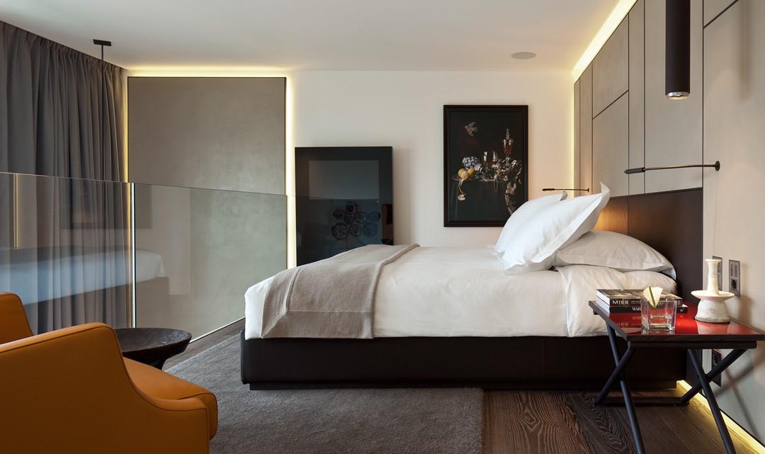 The sleeping mezzanine of room room 528