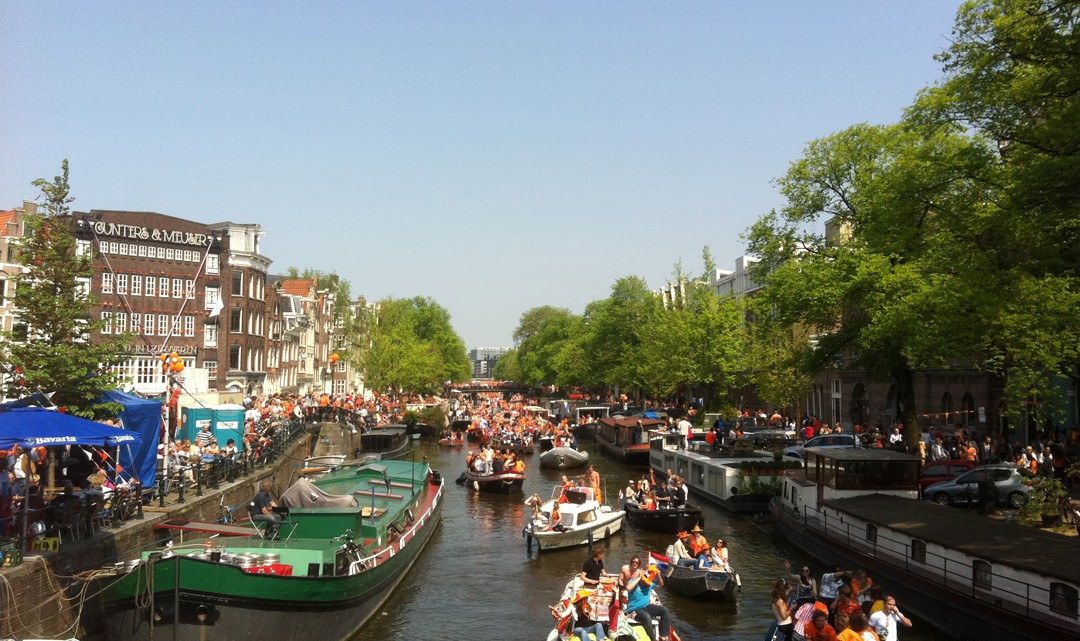 The Prinsengracht canals full of private boats