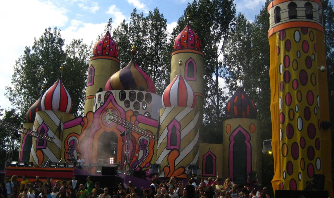 Inflatable castle stage