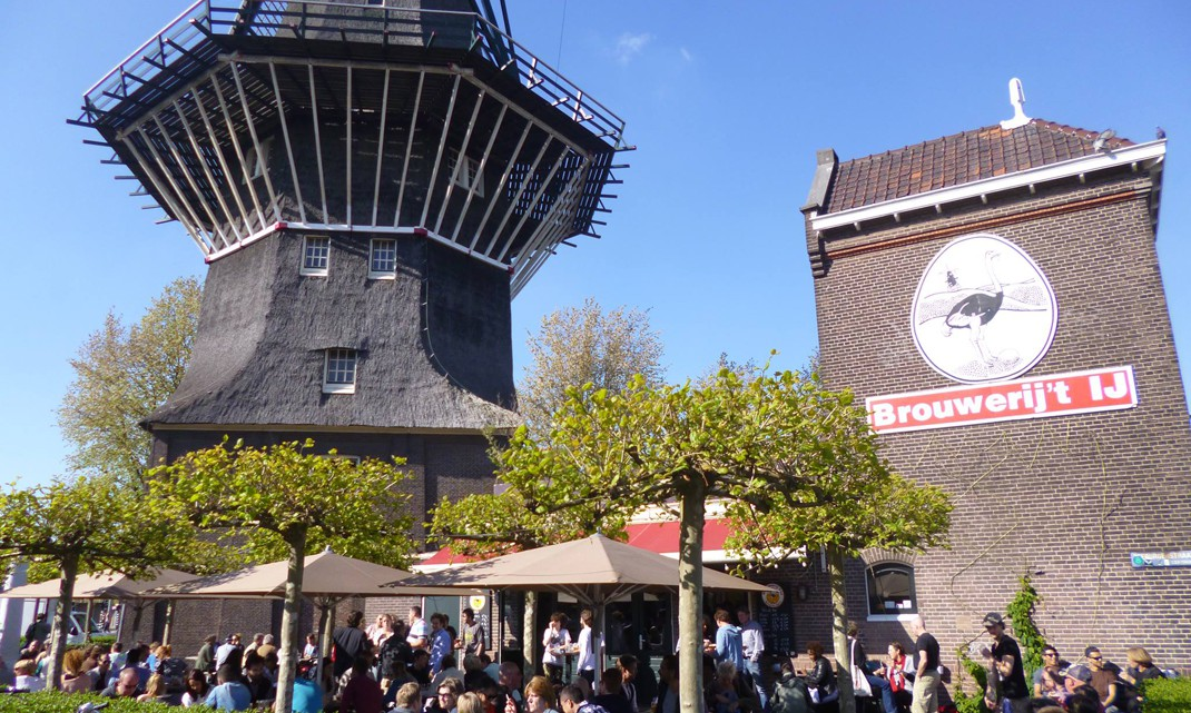Busy terrace at Brouwerij 't IJ, in summer