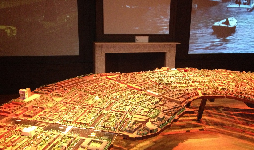 Model of the streets and canals around the canal belt