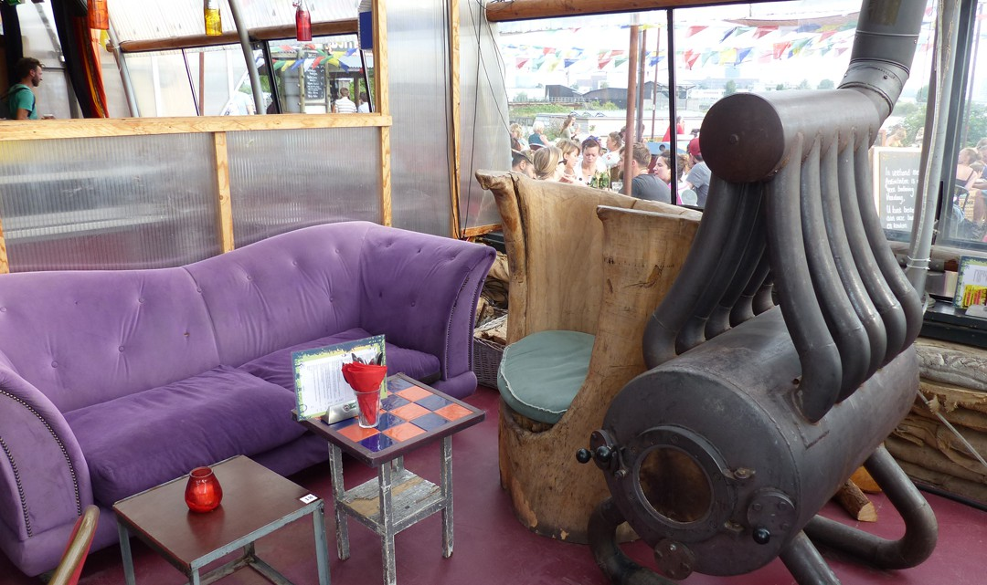 Little lounge area
