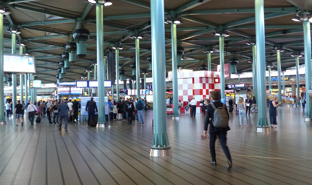 Overview of the central arrivals hall