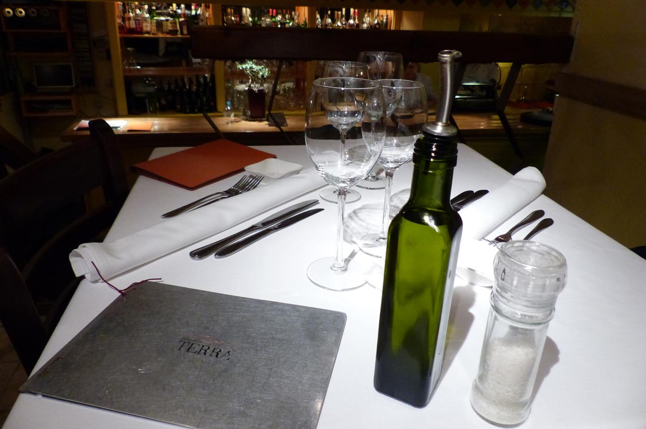 Pianeta Terra Amsterdam : Pianeta terra a slow food restaurant with character conscious