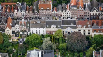 Aerial view of the garden of Museum Van Loon and surrounding gardens